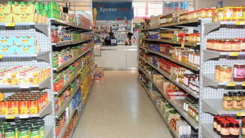 Yee's Xpressmart - Interior